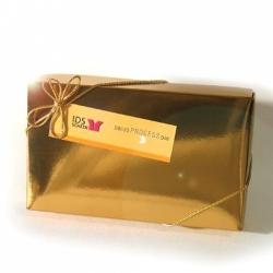 Goldene Schachtel mit 12 Pralinen