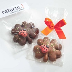 Schokolade-Kleeblatt mit Glückskäfer